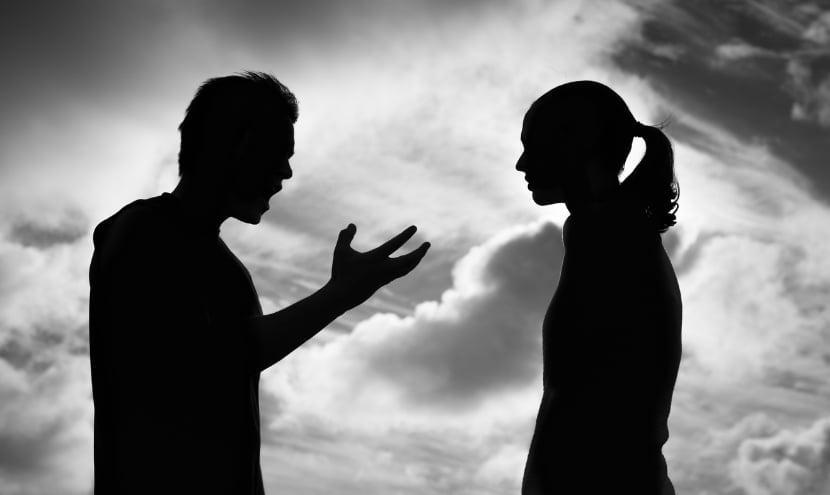 Come comportarsi con un narcisista
